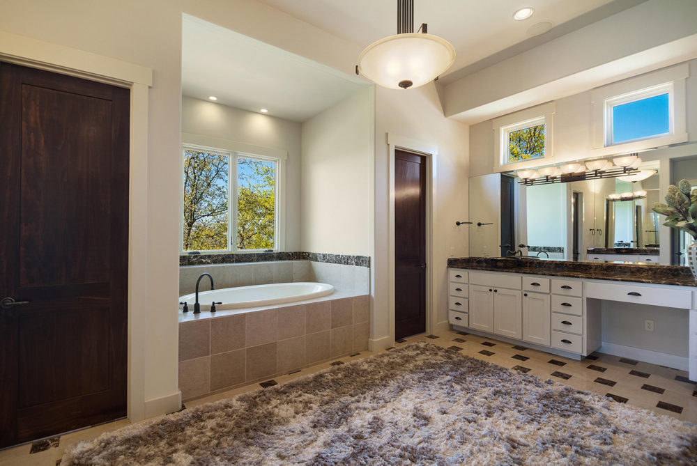 7716-Lynchburg-masterbath